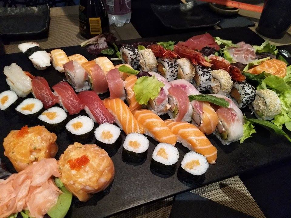 Mix of sushi, sashimi and others